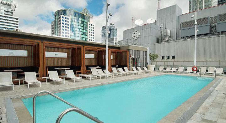 300 Front St Pool Outdoor Pool