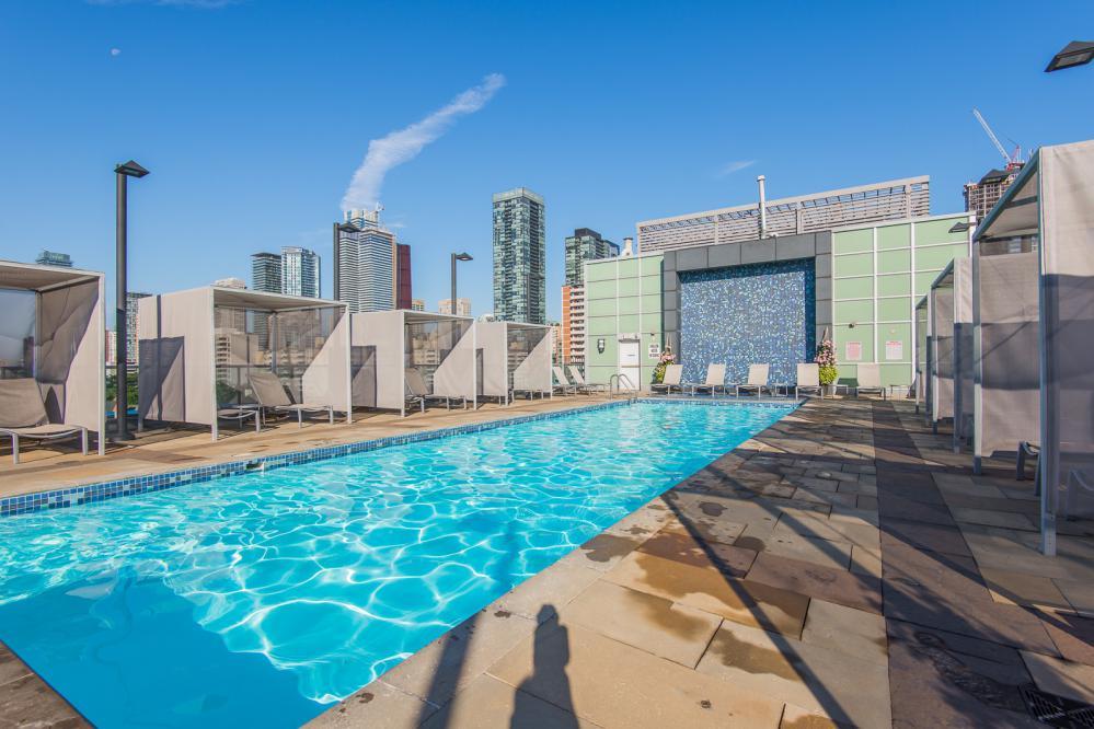 120 Homewood Ave Pool