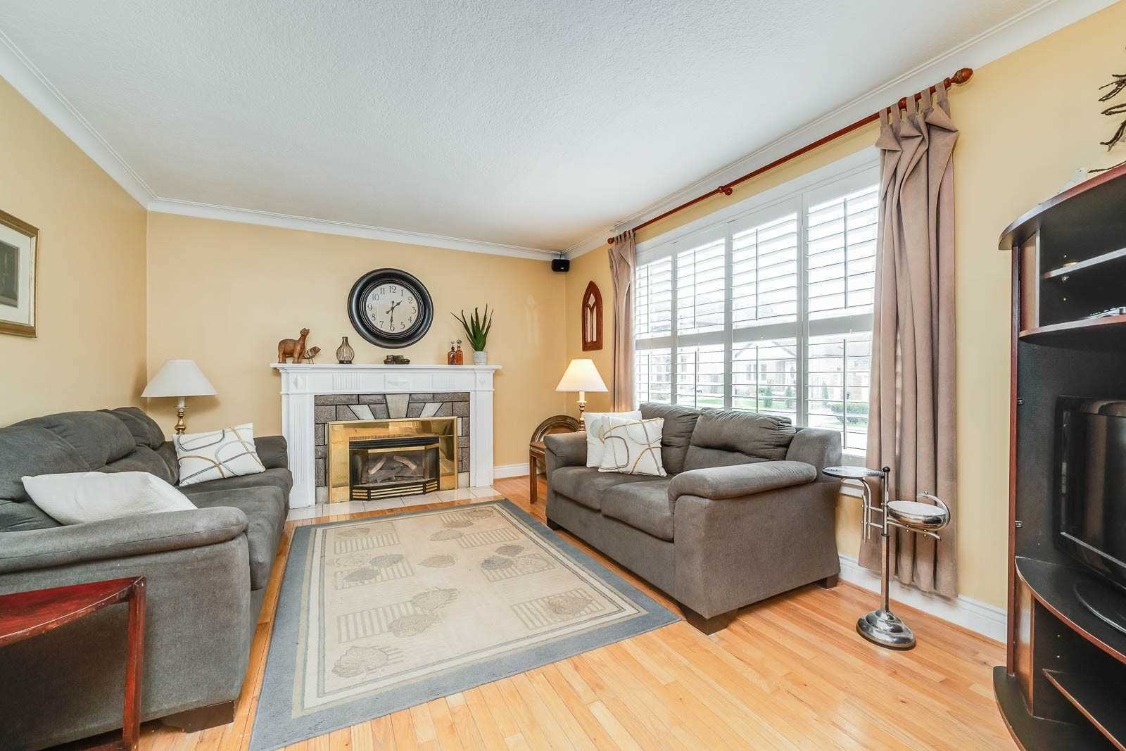 254 Florence Ave (11)