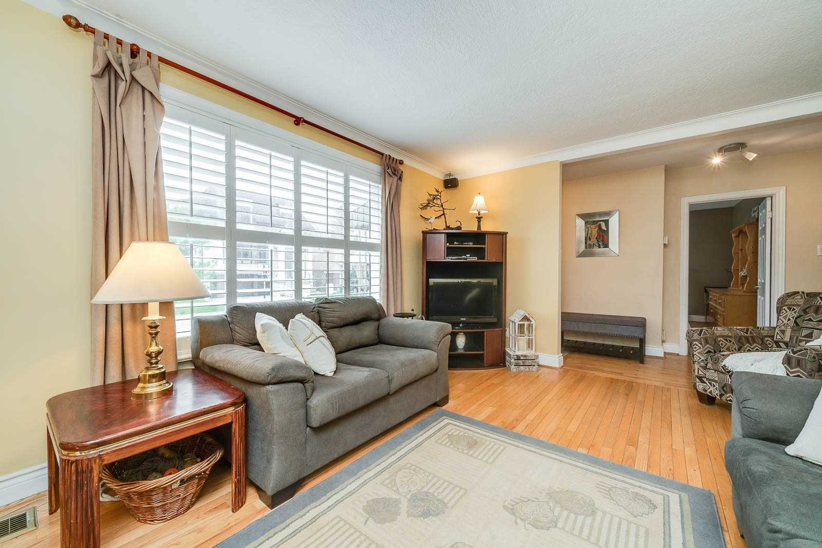 254 Florence Ave (13)
