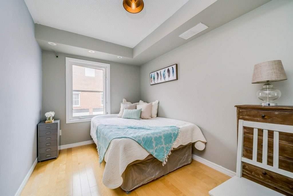 5 Frances Loring Lane 4 Toronto 2 Bed 2 Bath Condo Dwelly Ca