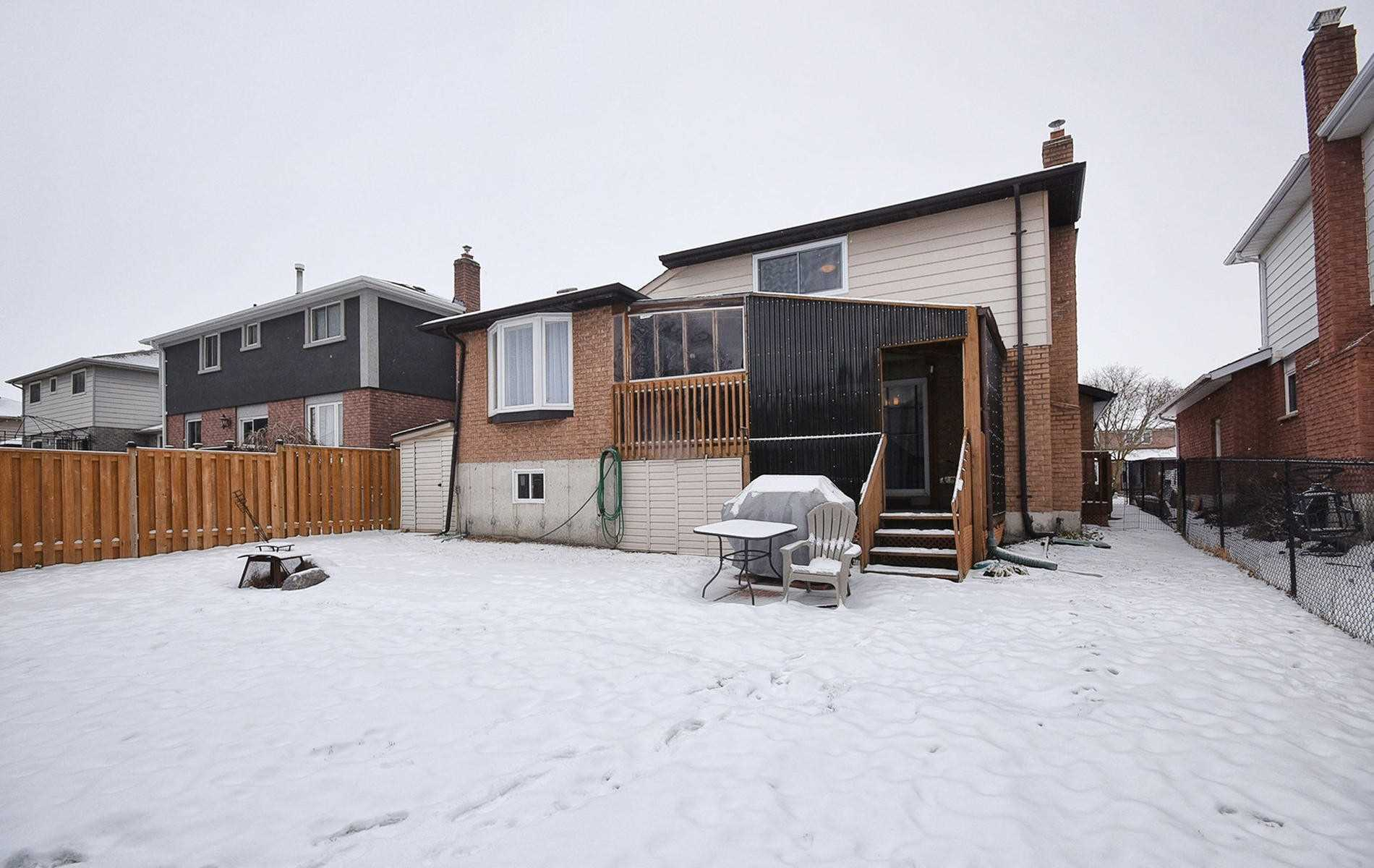 27 Redcastle Cres (14)