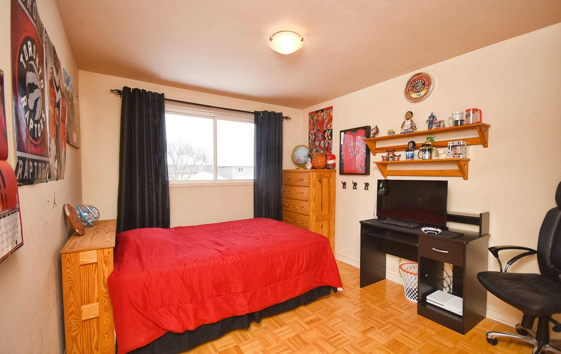 27 Redcastle Cres (9)