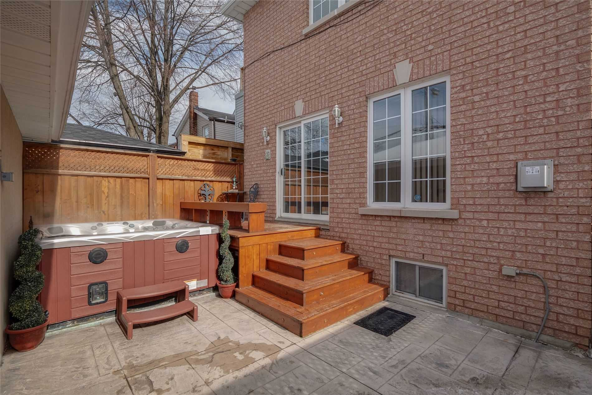68 Sellers Ave (10)