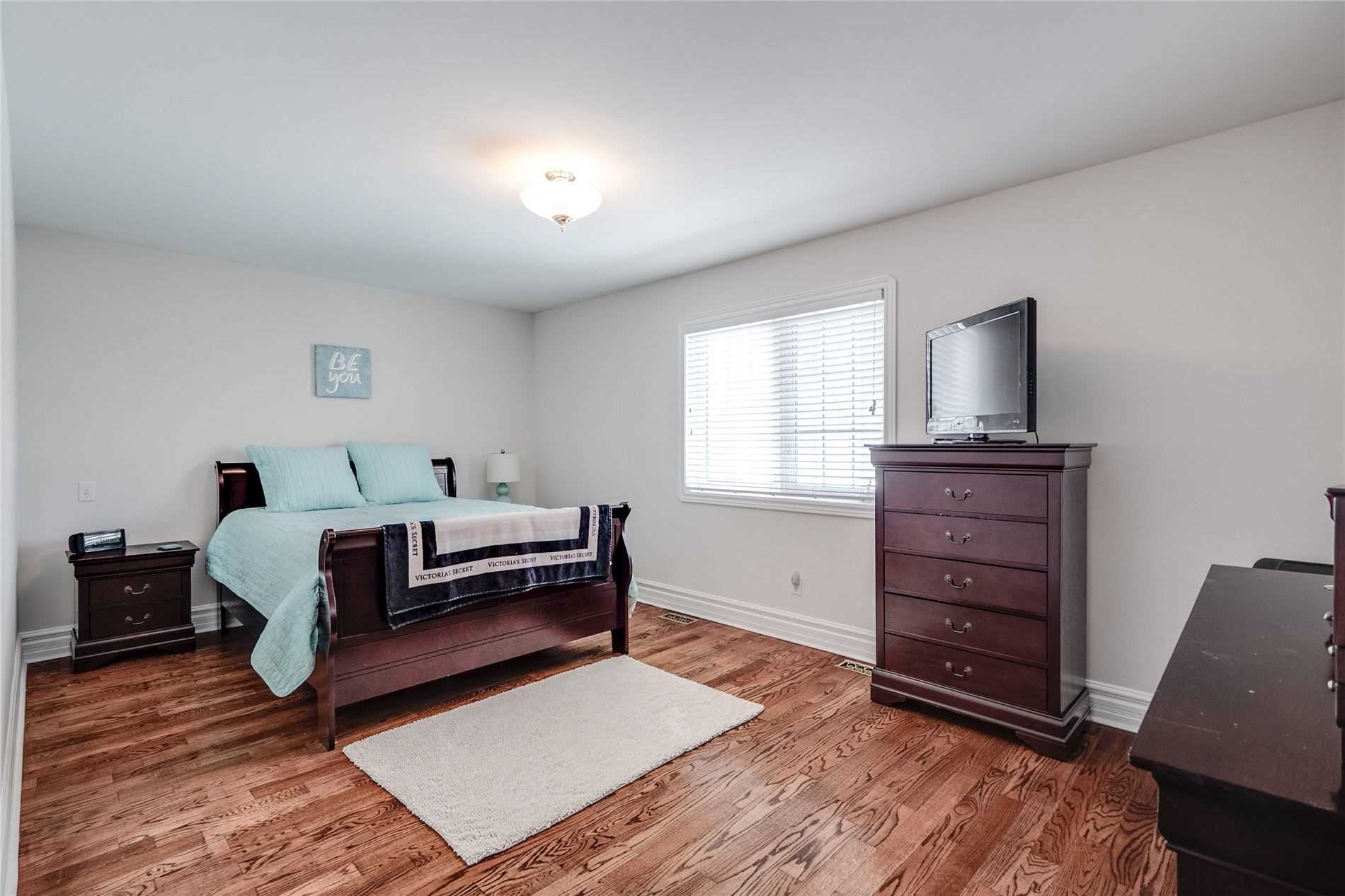 68 Sellers Ave (5)