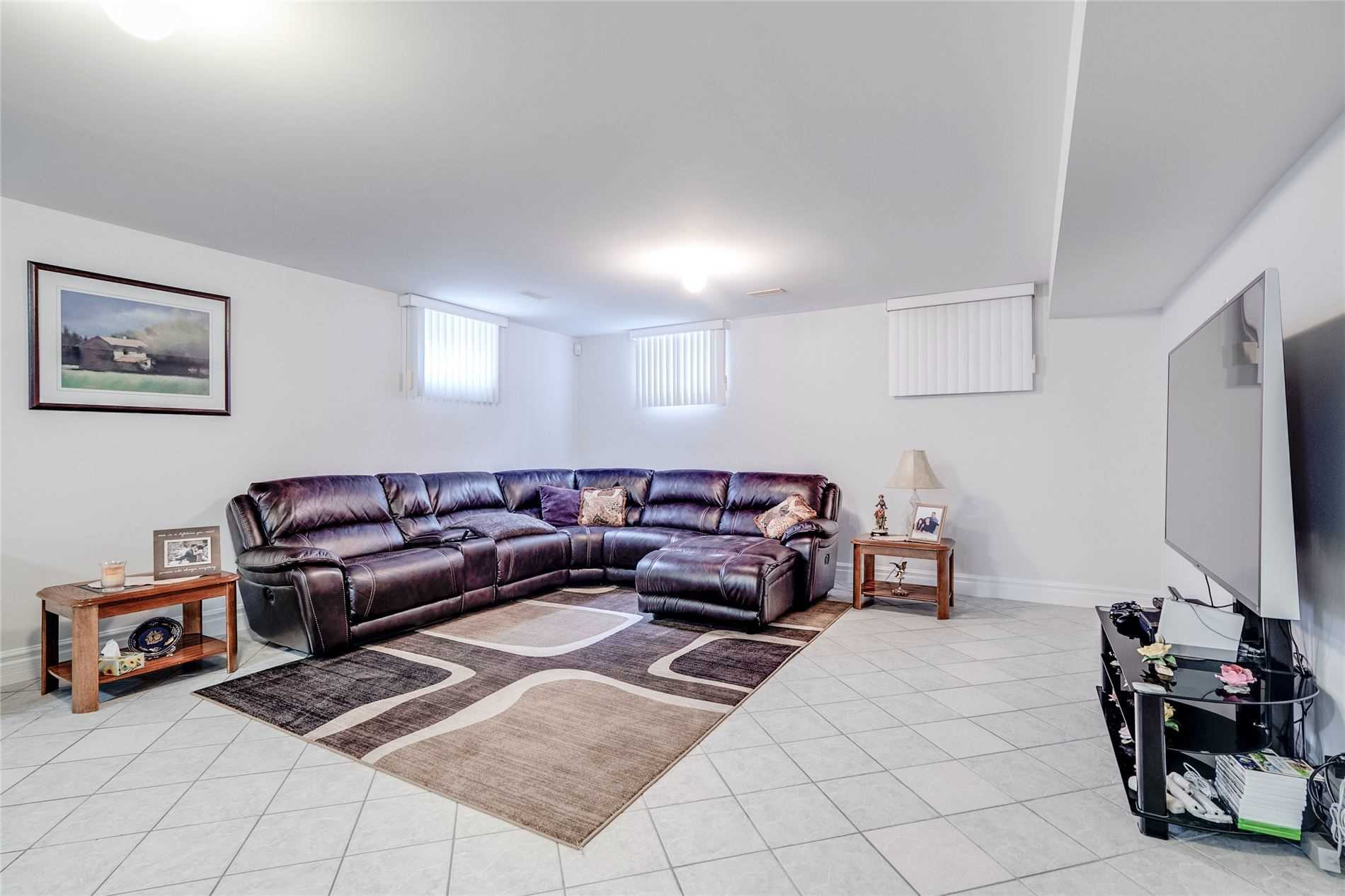 68 Sellers Ave (8)