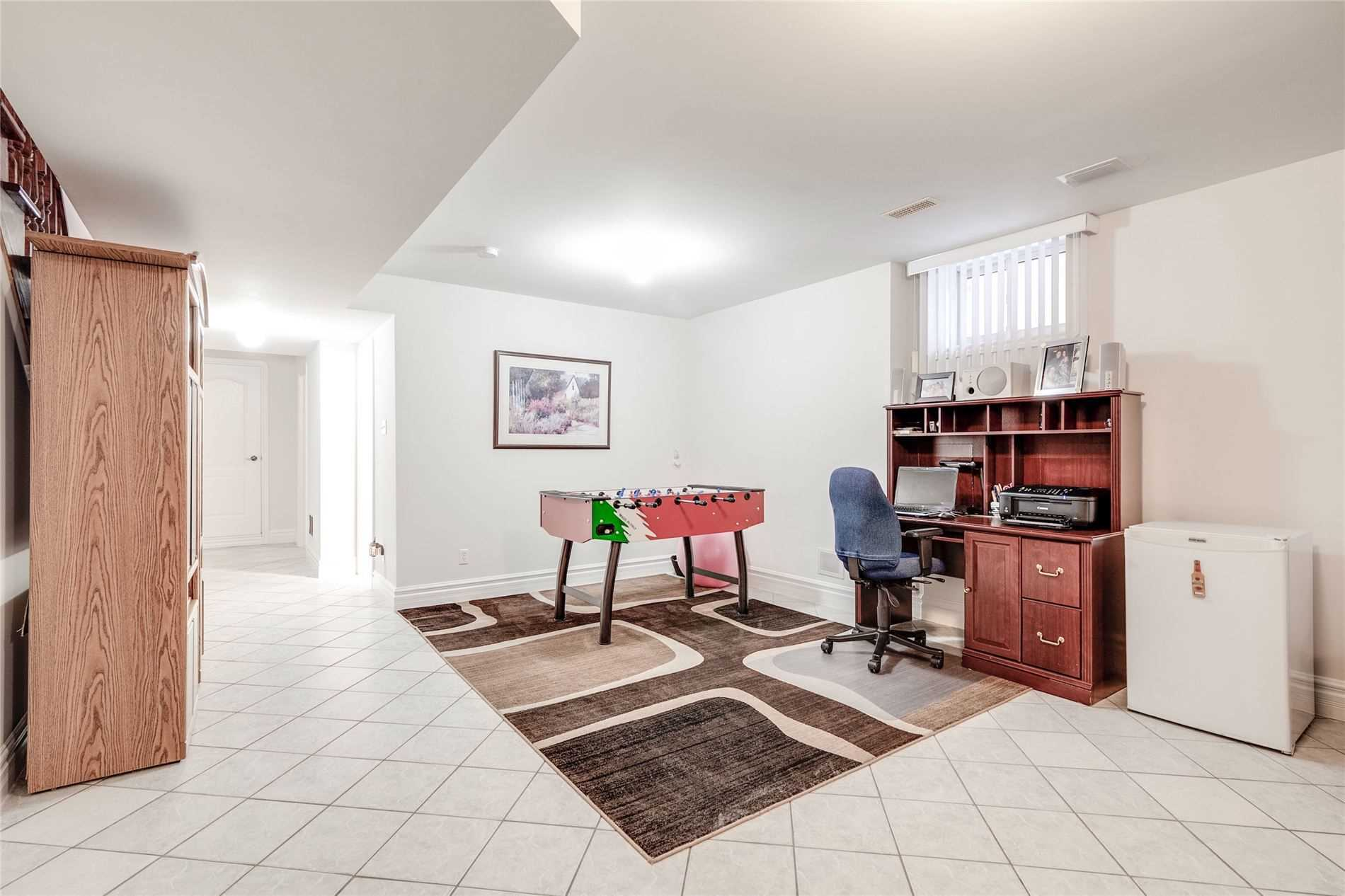 68 Sellers Ave (9)